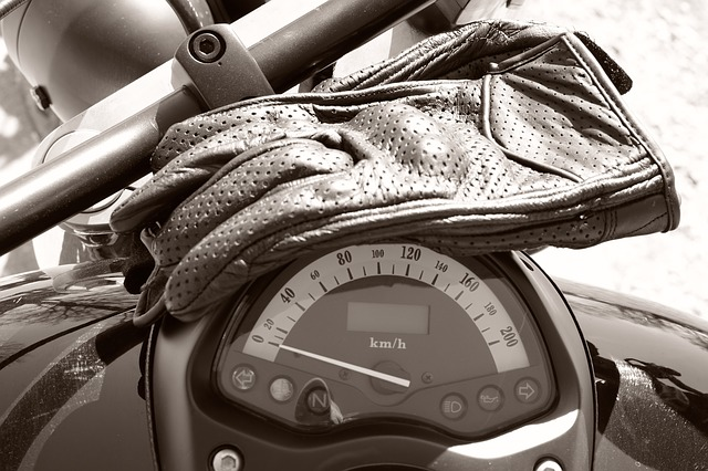 Types of motorcycle gloves